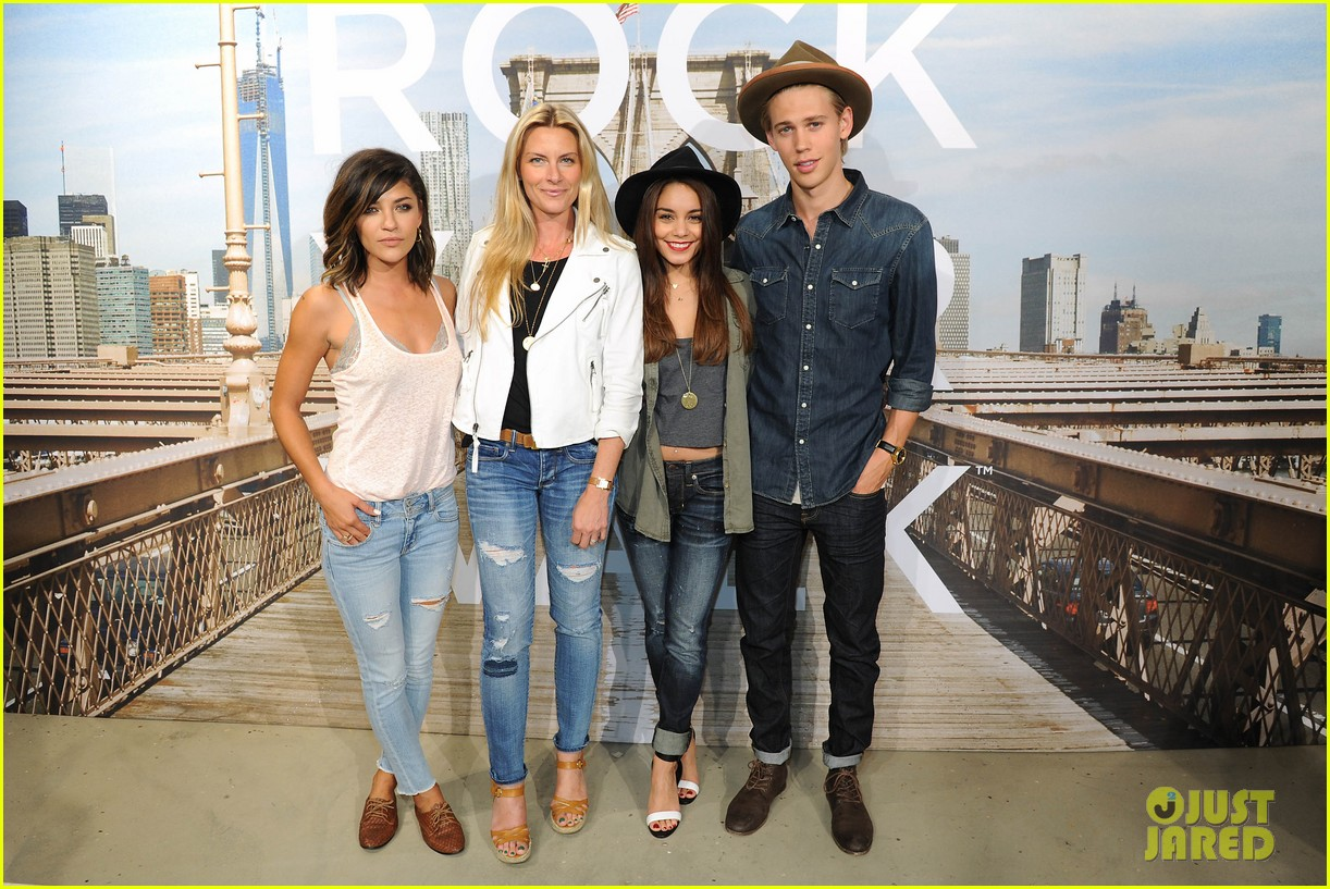 vanessa hudgens ae rock your walk launch austin butler 21