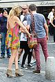 kate hudson matt bellamy fan friendly in rome 27