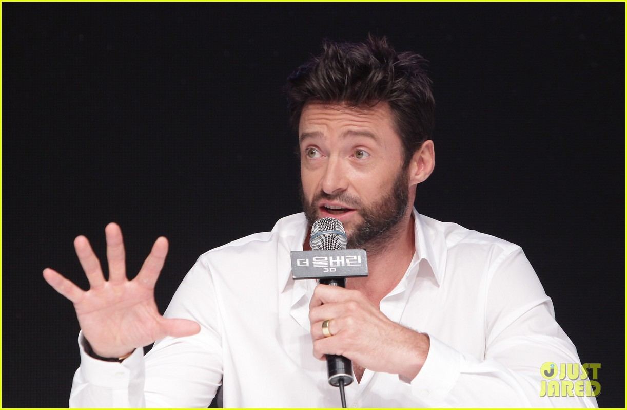 hugh jackman wolverine press conference in seoul 09