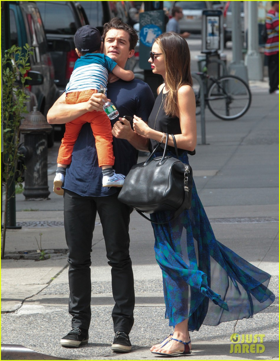 miranda kerr orlando bloom family day with flynn 012908840