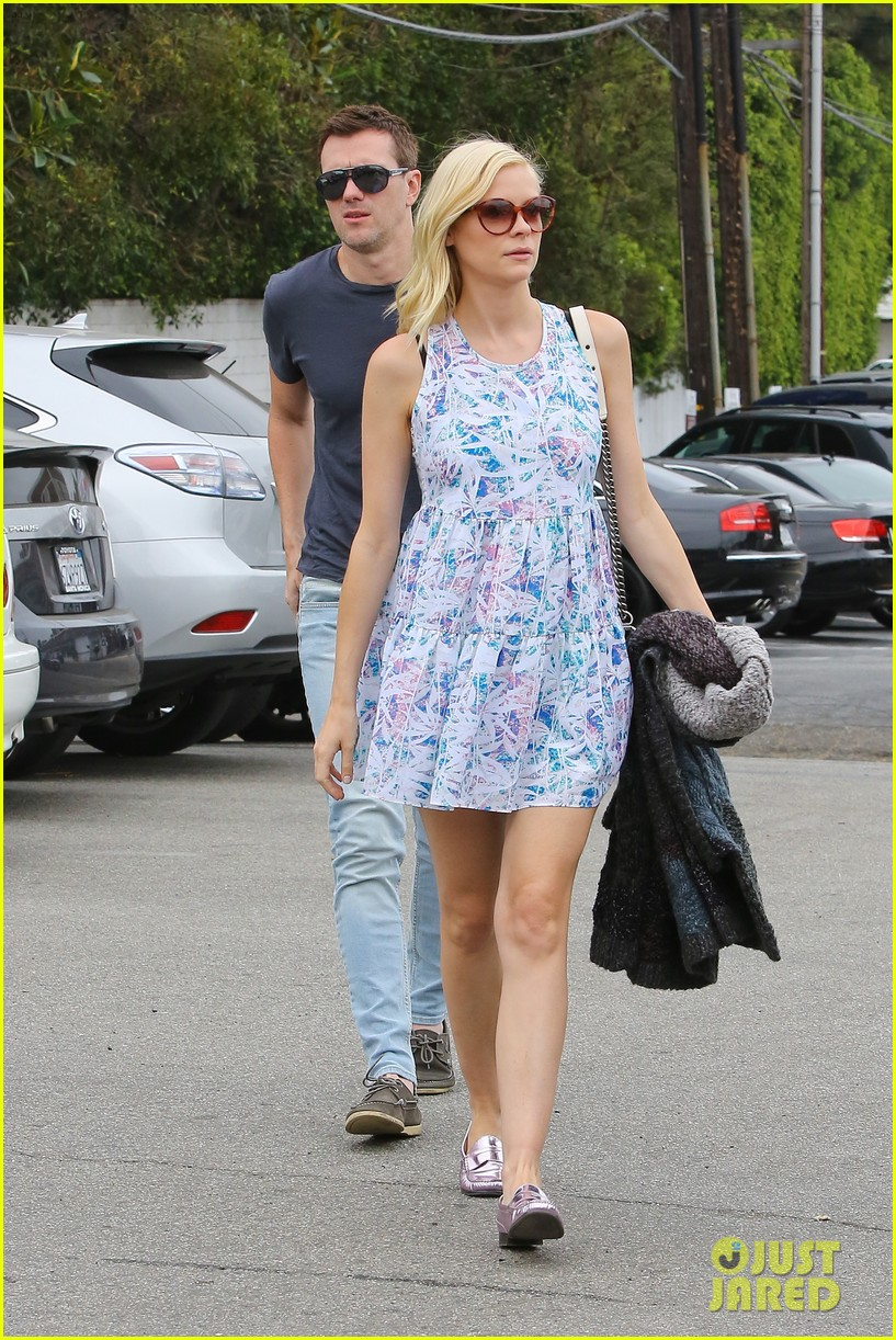 pregnant jaime king a voltre sante brunch with kyle newman 18