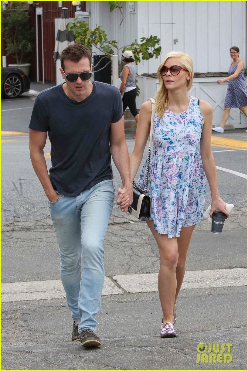 pregnant jaime king a voltre sante brunch with kyle newman 202914553