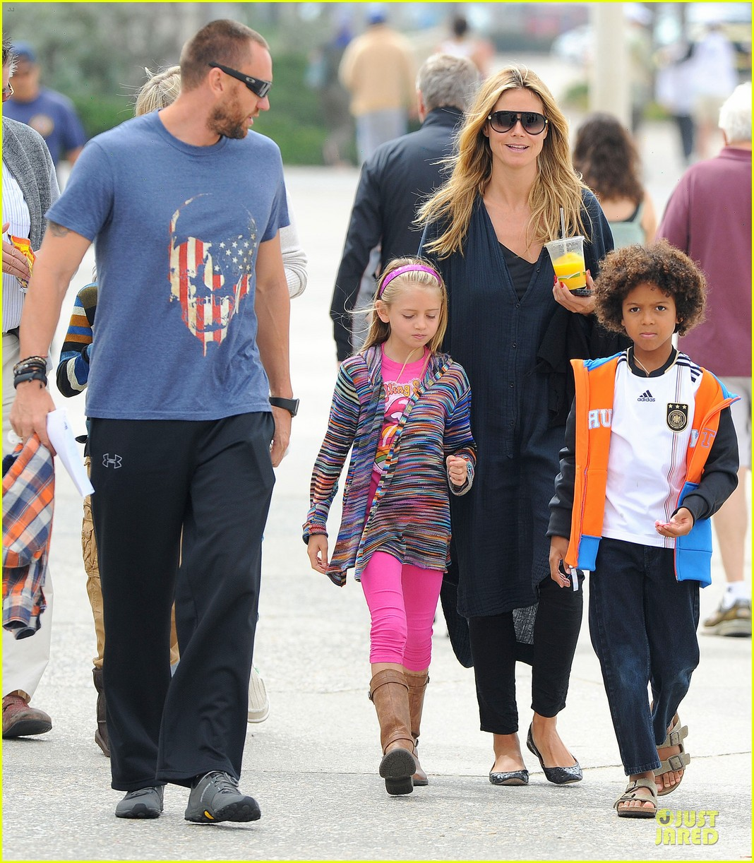 heidi klum martin kirsten venice beach bonding after nyc departure 10