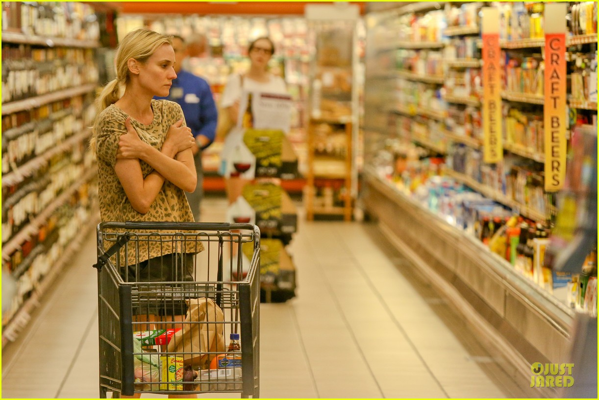 diane kruger joshua jackson white wine fruit shoppers 072914168