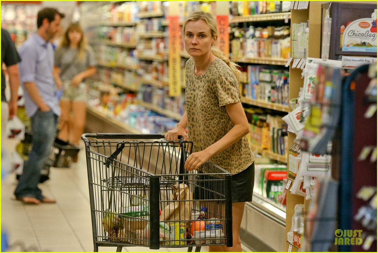 diane kruger joshua jackson white wine fruit shoppers 092914170