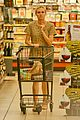diane kruger joshua jackson white wine fruit shoppers 11