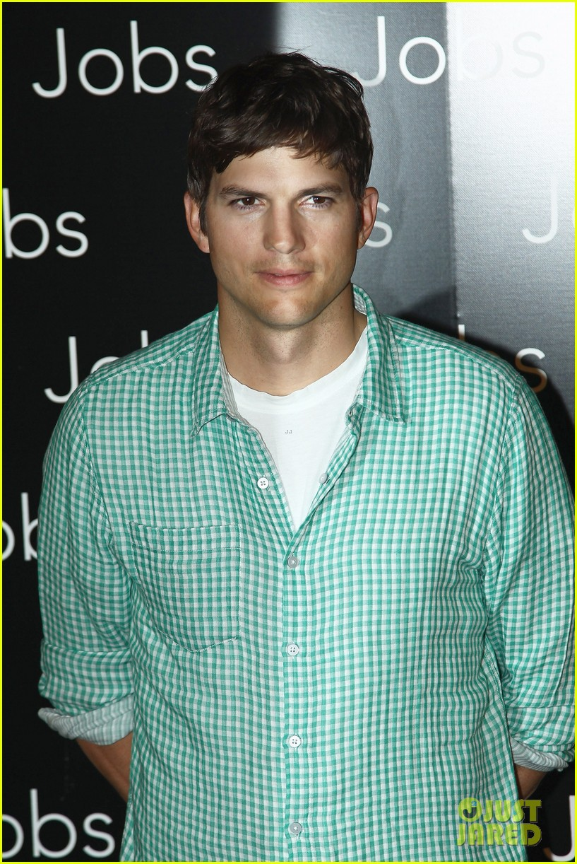 ashton kutcher jobs paris premiere 04