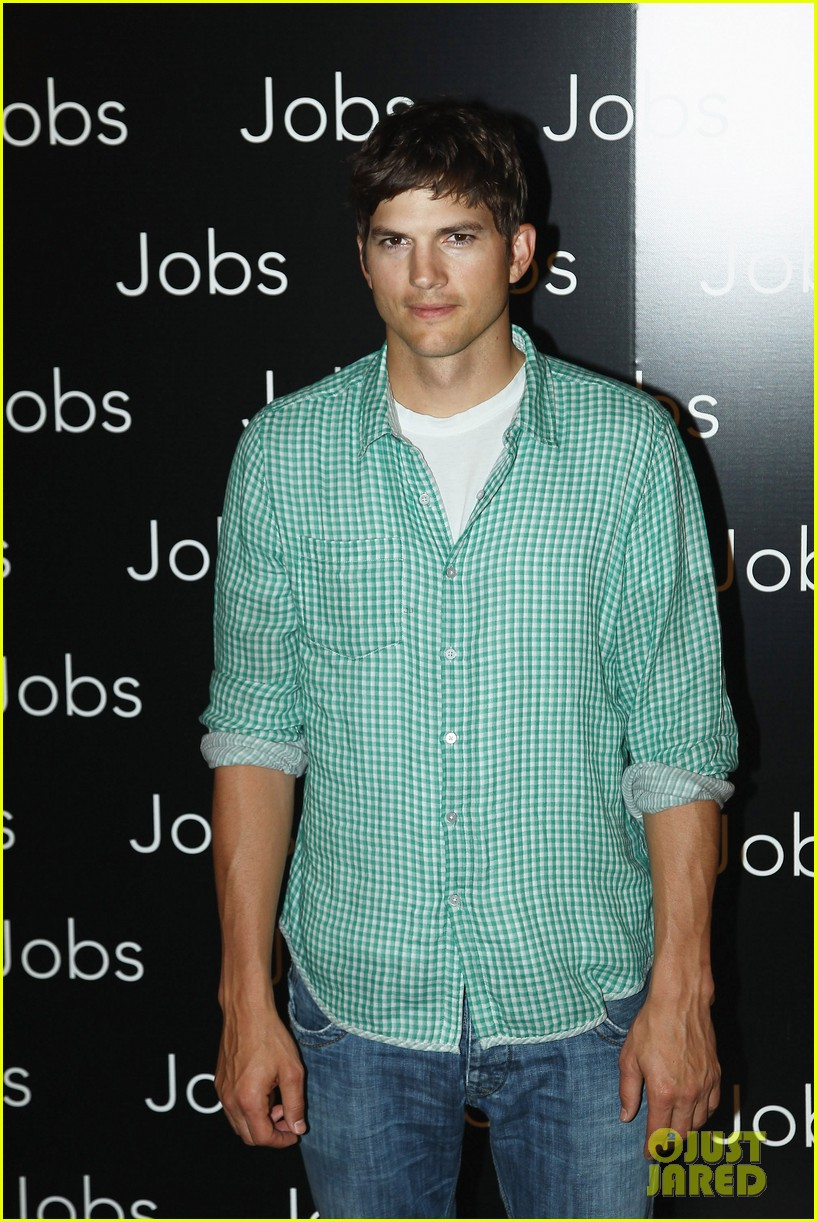 ashton kutcher jobs paris premiere 07