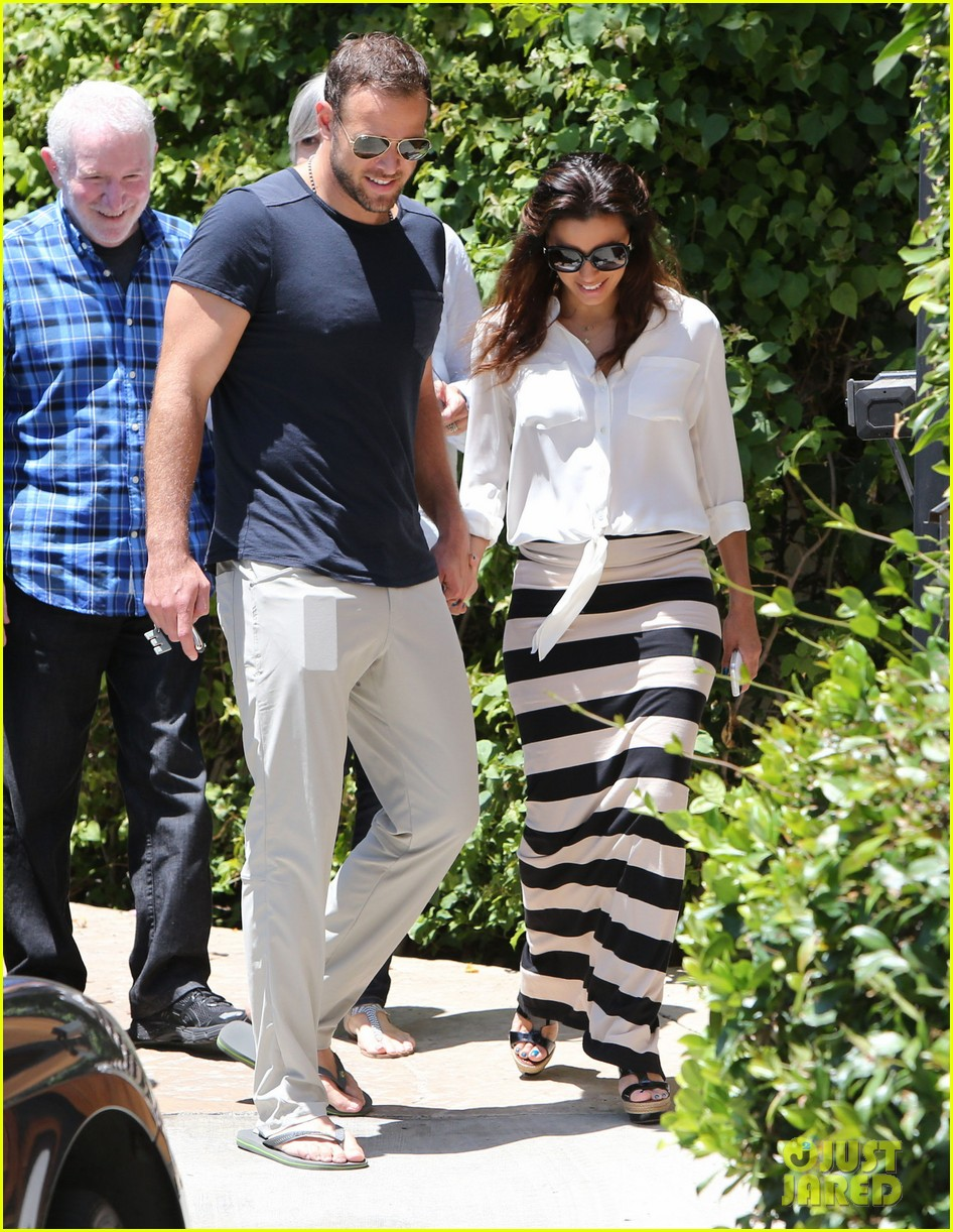 eva longoria ernesto aguello argo dinner after house hunting 16