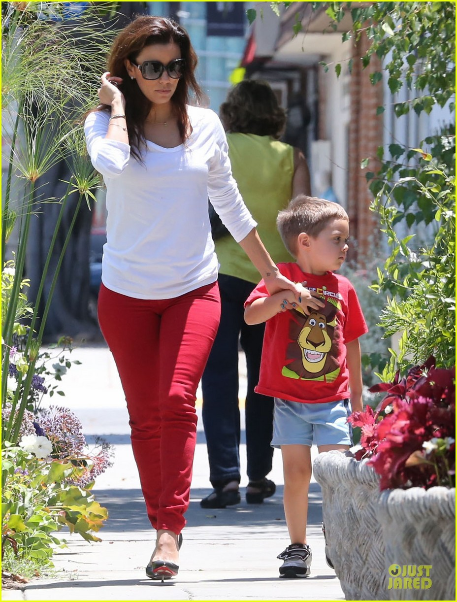 eva longoria ernesto arguello holding hands at cafe med 052915610
