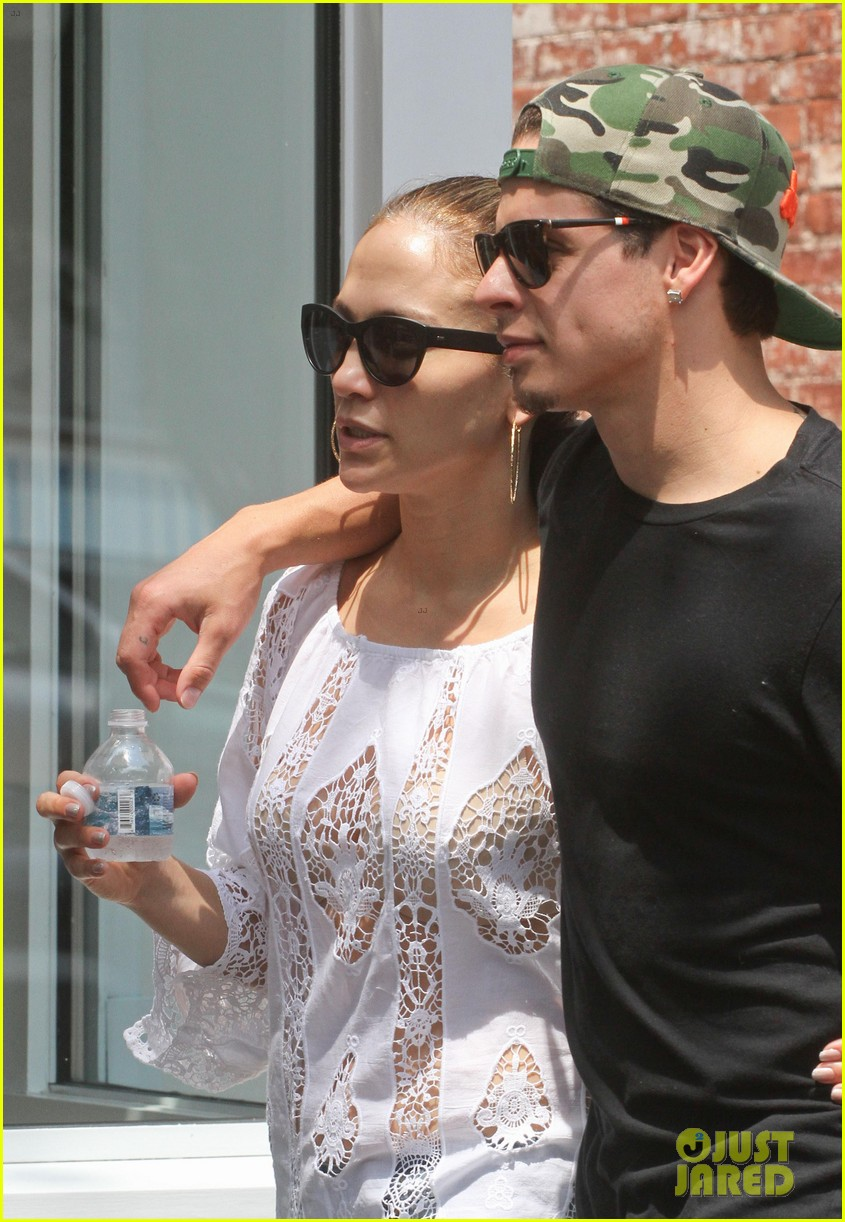 jennifer lopez casper smart hamptons weekend trip 042914557