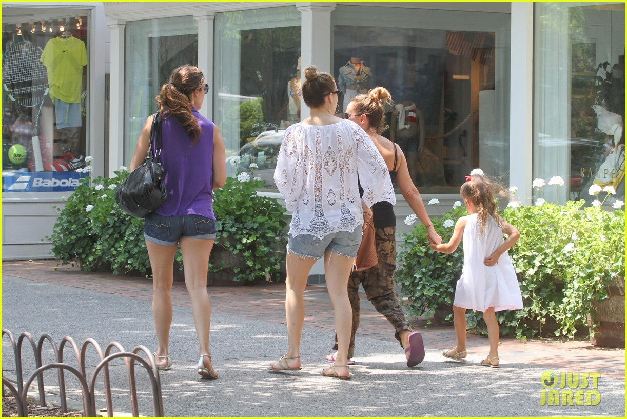 jennifer lopez casper smart hamptons weekend trip 122914565