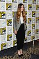 sophie lowe once upon a time in wonderland at comic con 10