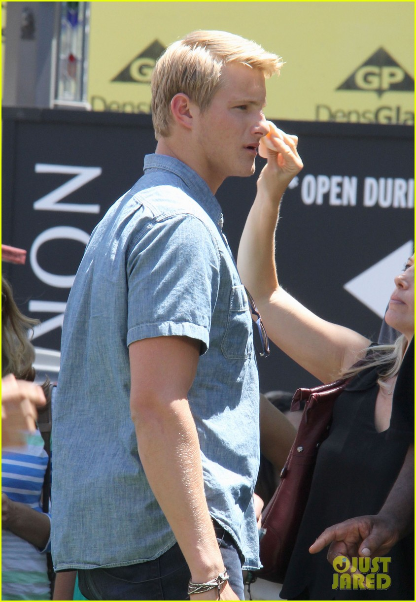 alexander ludwig visits extra at the grove 09