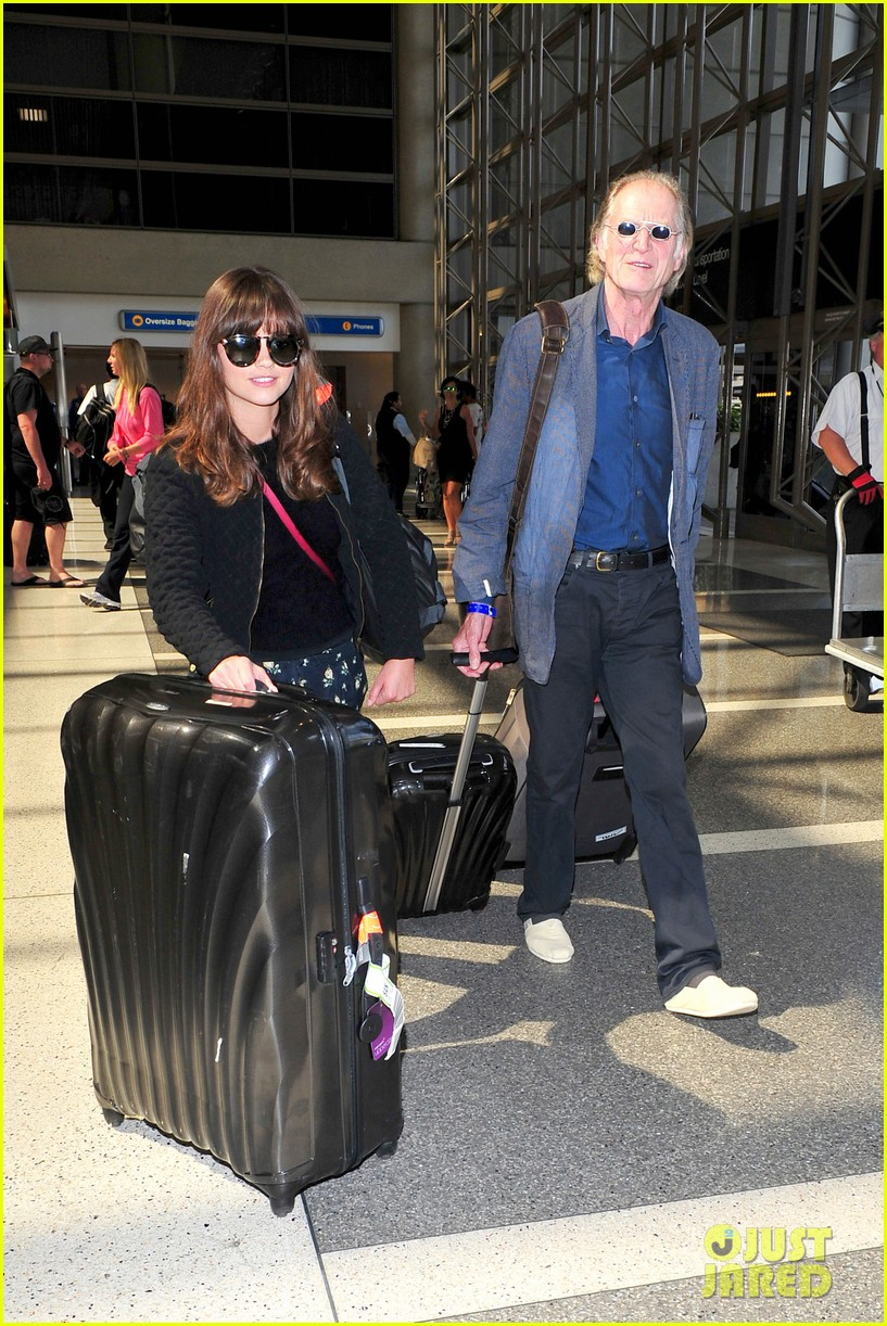 richard madden jenna coleman lots of luggage at lax 072917824