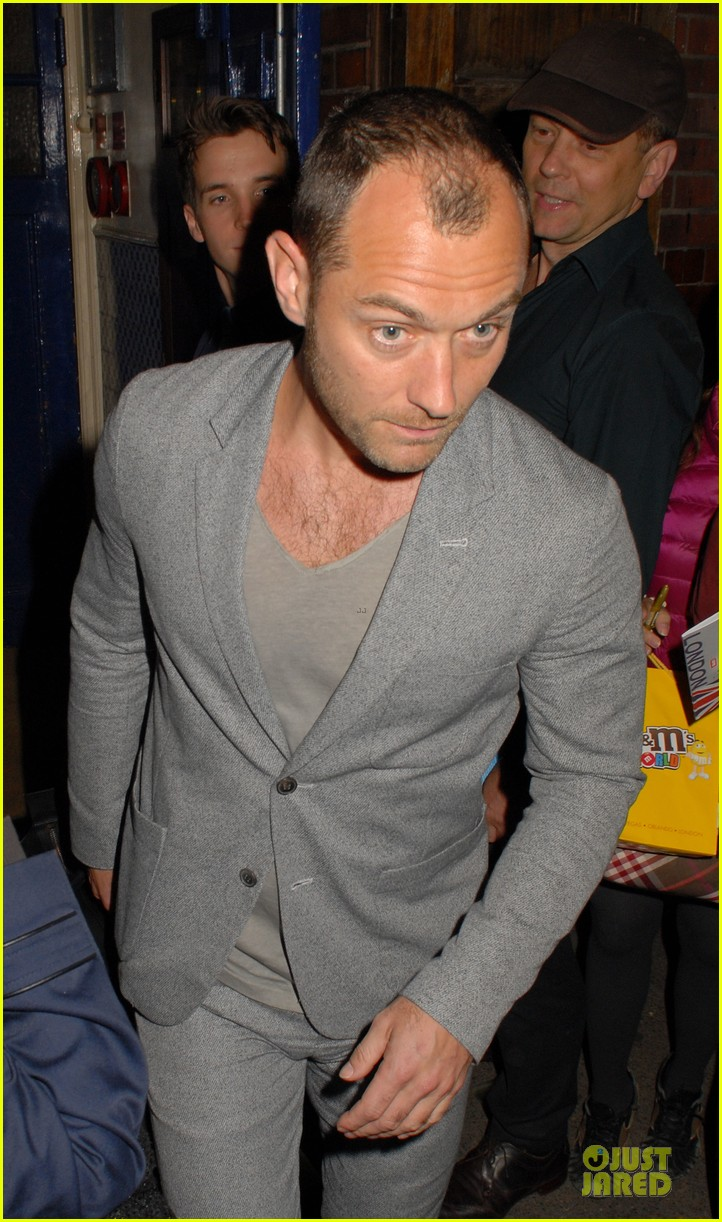 chris martin jude law curious incident of the dog in the night play goers 07