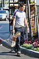 olivier martinez buys baguette at bristol farms 06