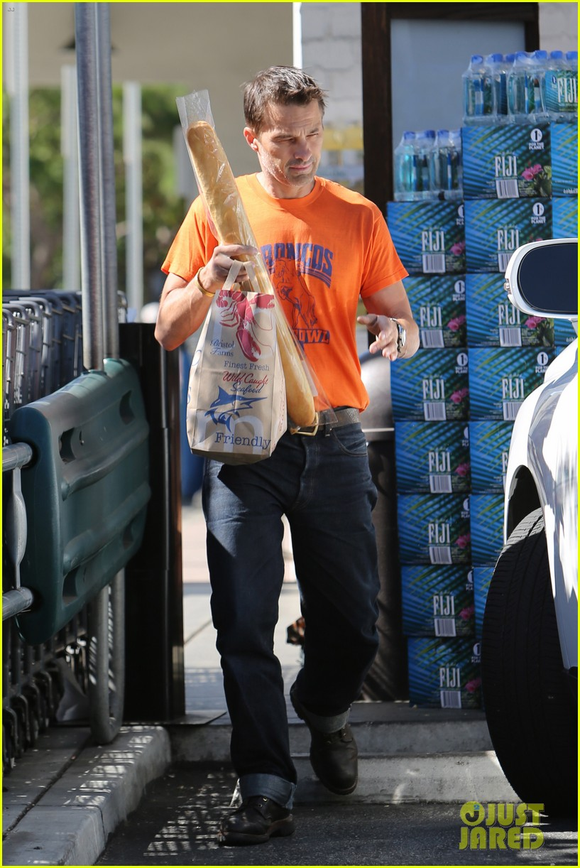 olivier martinez grocery shopping after french wedding 01