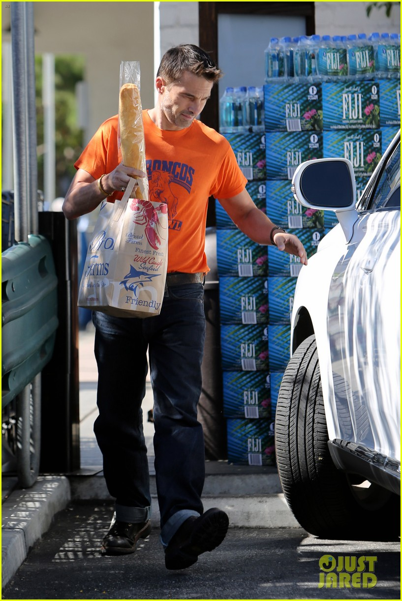 olivier martinez grocery shopping after french wedding 06