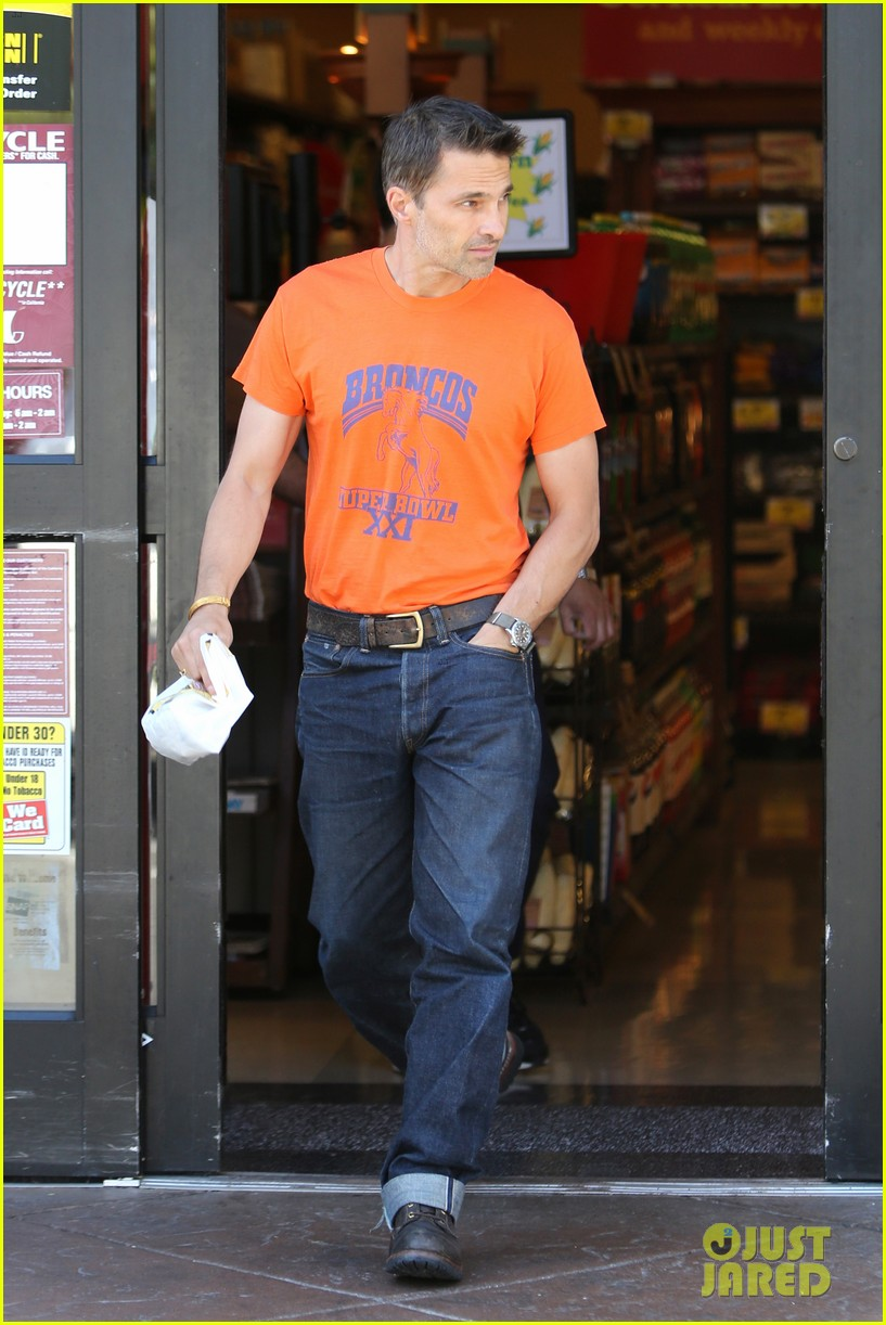 olivier martinez grocery shopping after french wedding 09