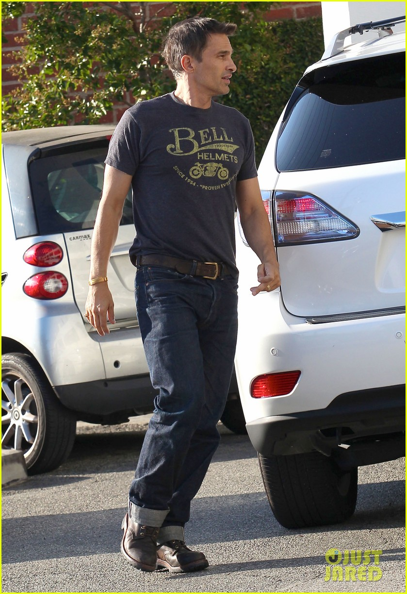 olivier martinez nahla pick up pizza for dinner 072919137
