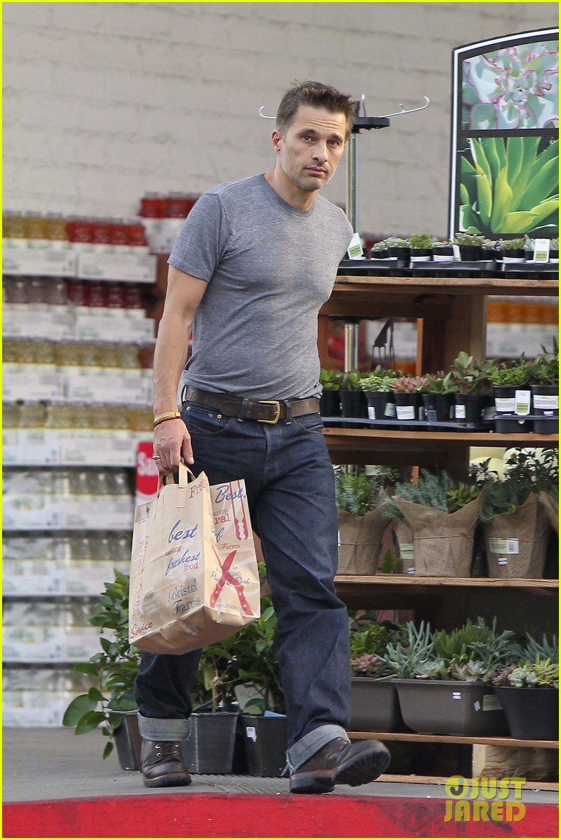 olivier martinez makes two trips to grocery store on july 4 092904434