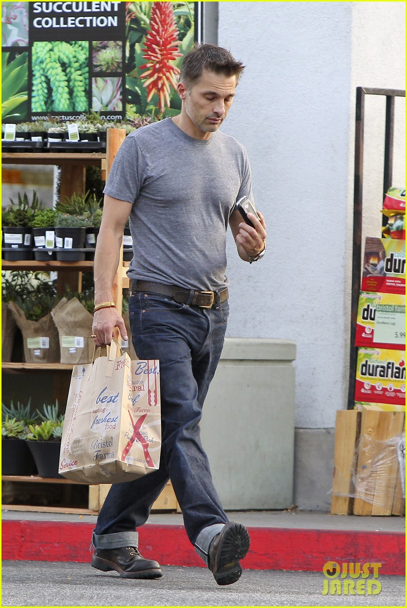 olivier martinez makes two trips to grocery store on july 4 192904444