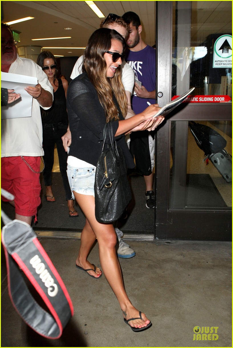 lea michele lax arrival after bikini clad vacation 09