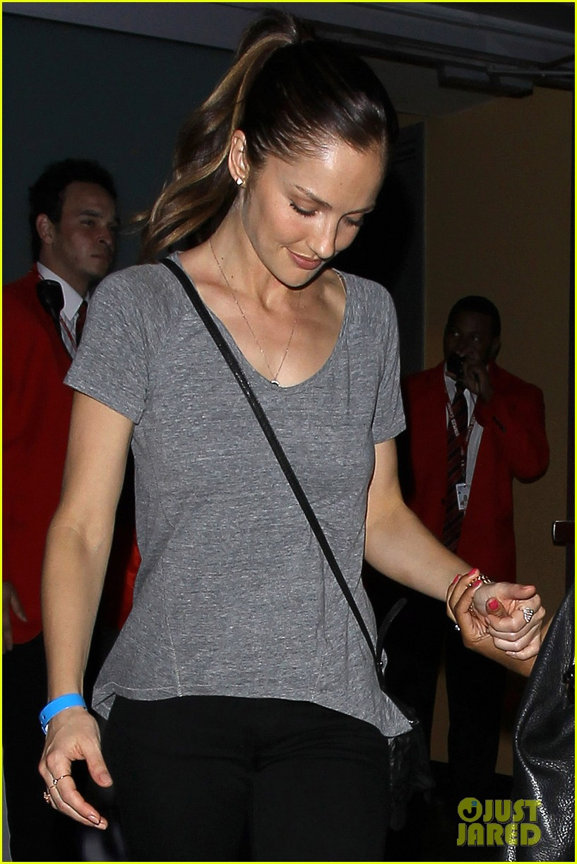 chris evans minka kelly leave beyonces la concert 062902677
