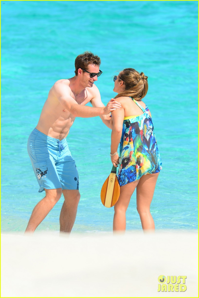 shirtless andy murray ibiza beach besos with kim sears 102909826