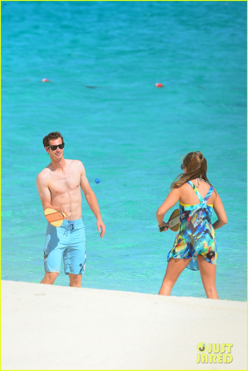 shirtless andy murray ibiza beach besos with kim sears 17