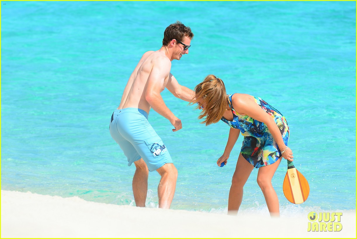 shirtless andy murray ibiza beach besos with kim sears 22