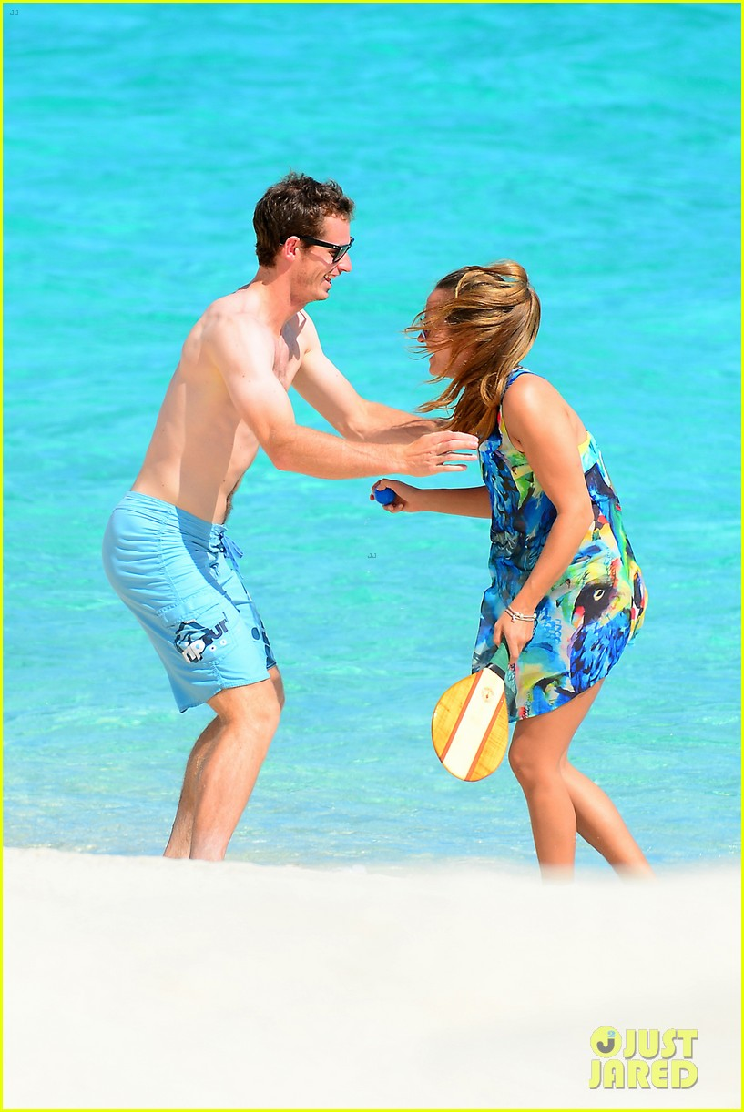 shirtless andy murray ibiza beach besos with kim sears 272909843