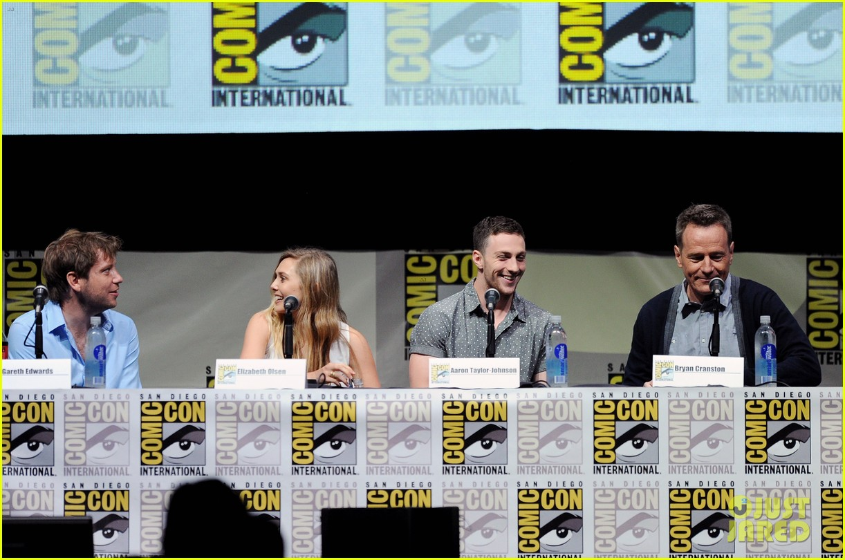 elizabeth olsen aaron taylor johnson godzilla at comic con 11