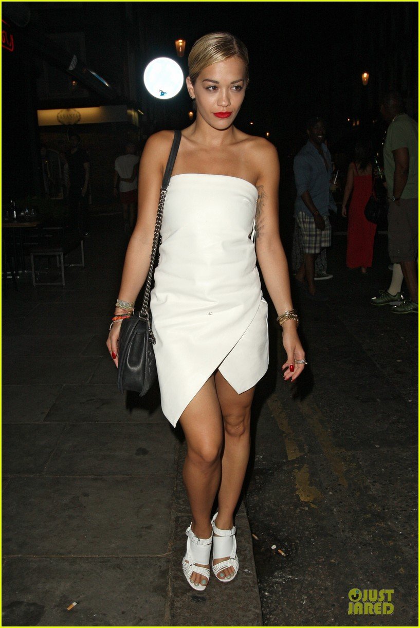 rita ora brightens eo restaurant at night 082910144