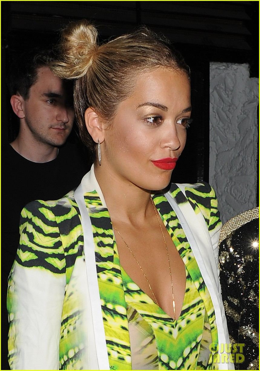rita ora wears pink leather bodysuit at music festival 04