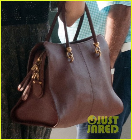 orlando bloom takes flynn to central park miranda kerr hits jfk 082909393