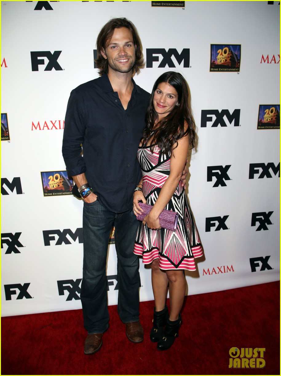 jared padalecki expecting second child with wife genevieve 01