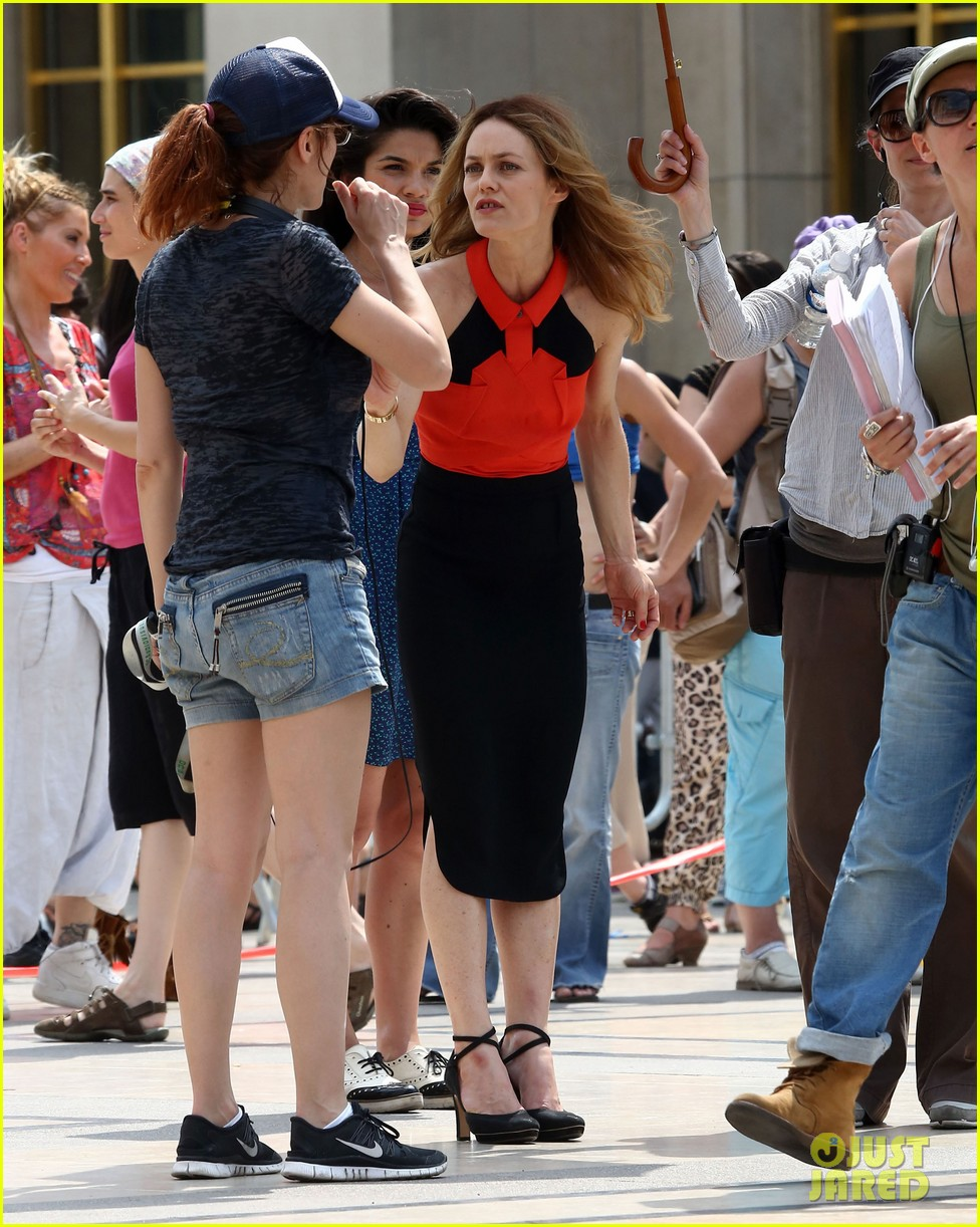 vanessa paradis homo sappiens set visit from lily rose jack 18
