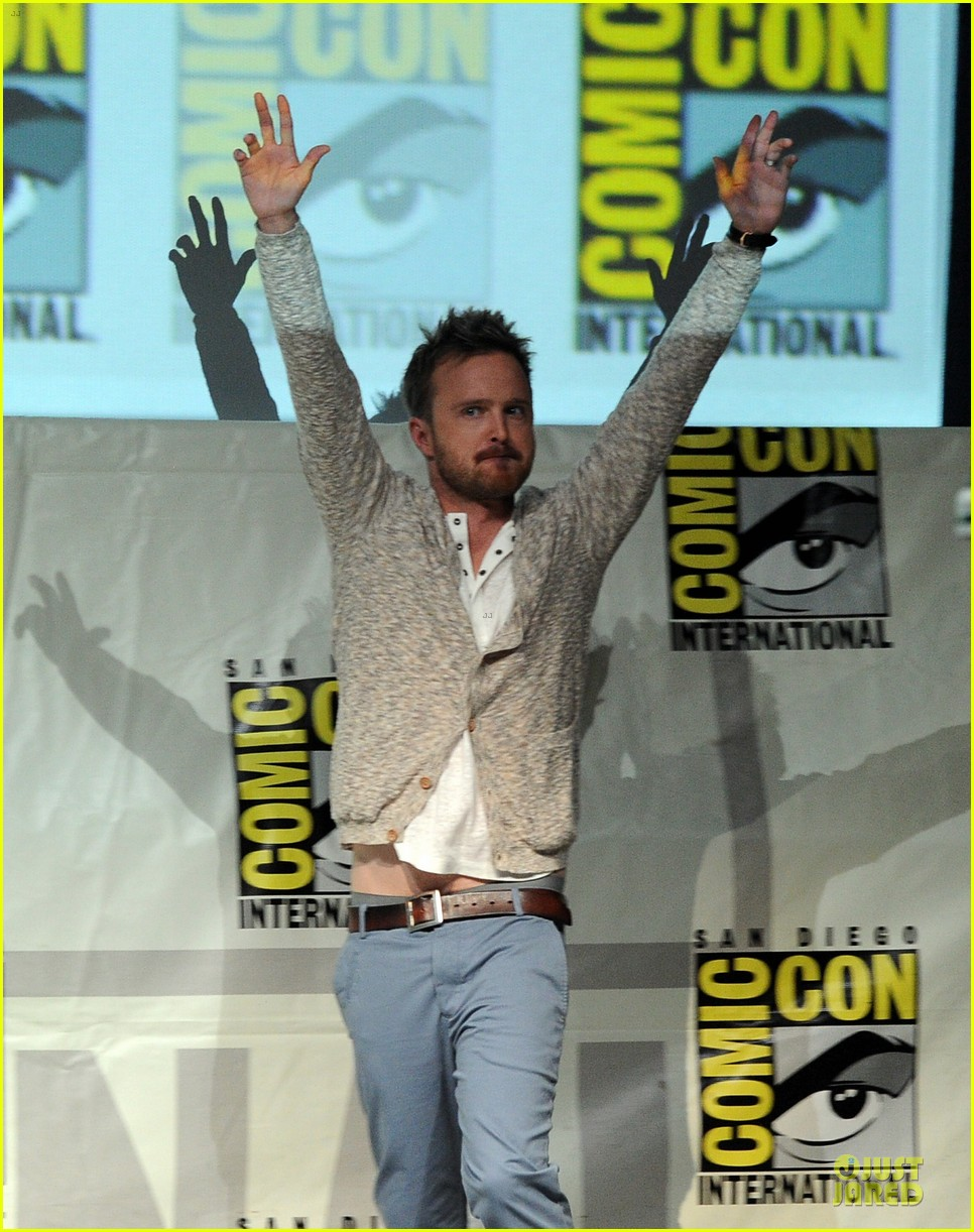 aaron paul bryan cranston breaking bad panel at comic con 05