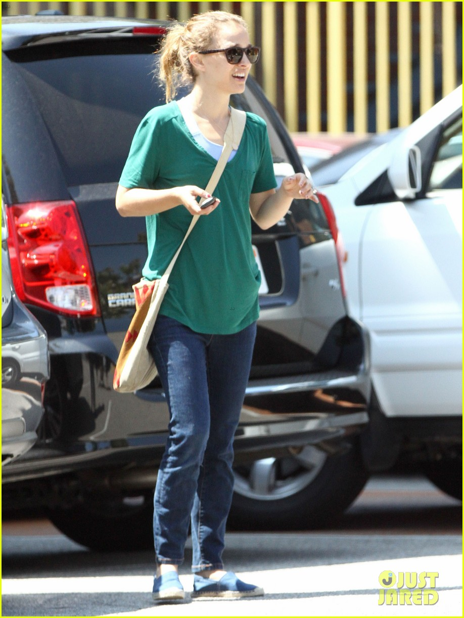natalie portman monday morning outing with aleph 02