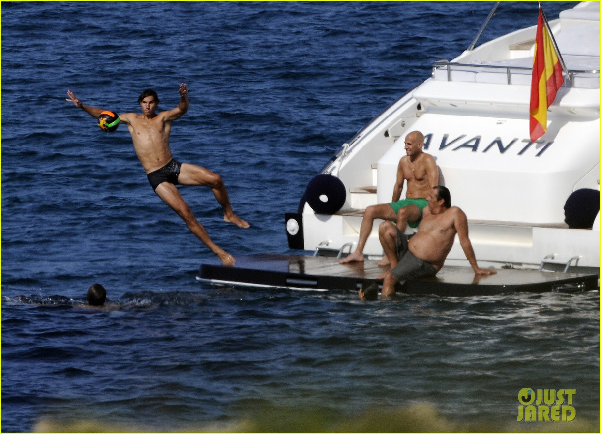 rafael nadal speedo sexy vacation with xisca perello 02