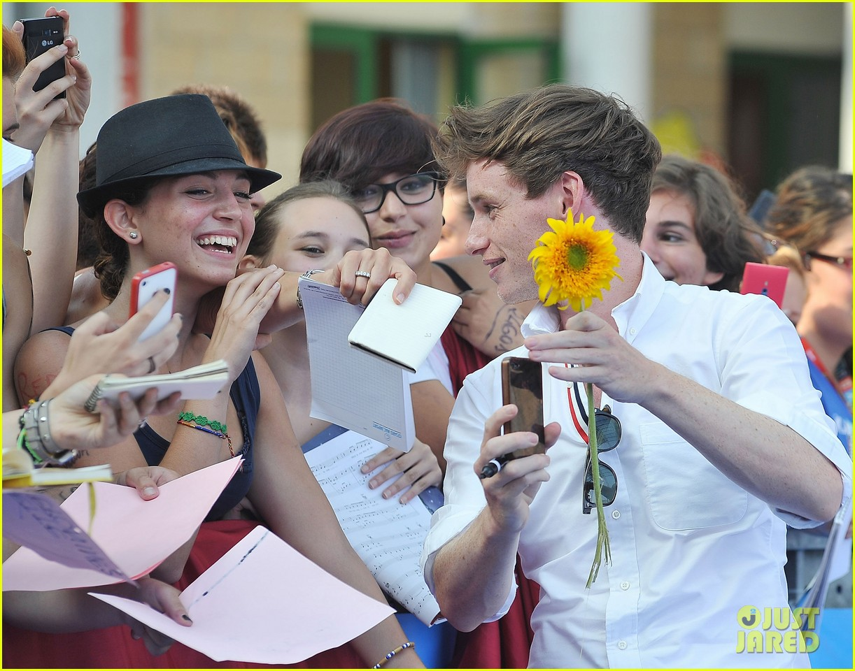eddie redmayne giffoni film festival photo call 16