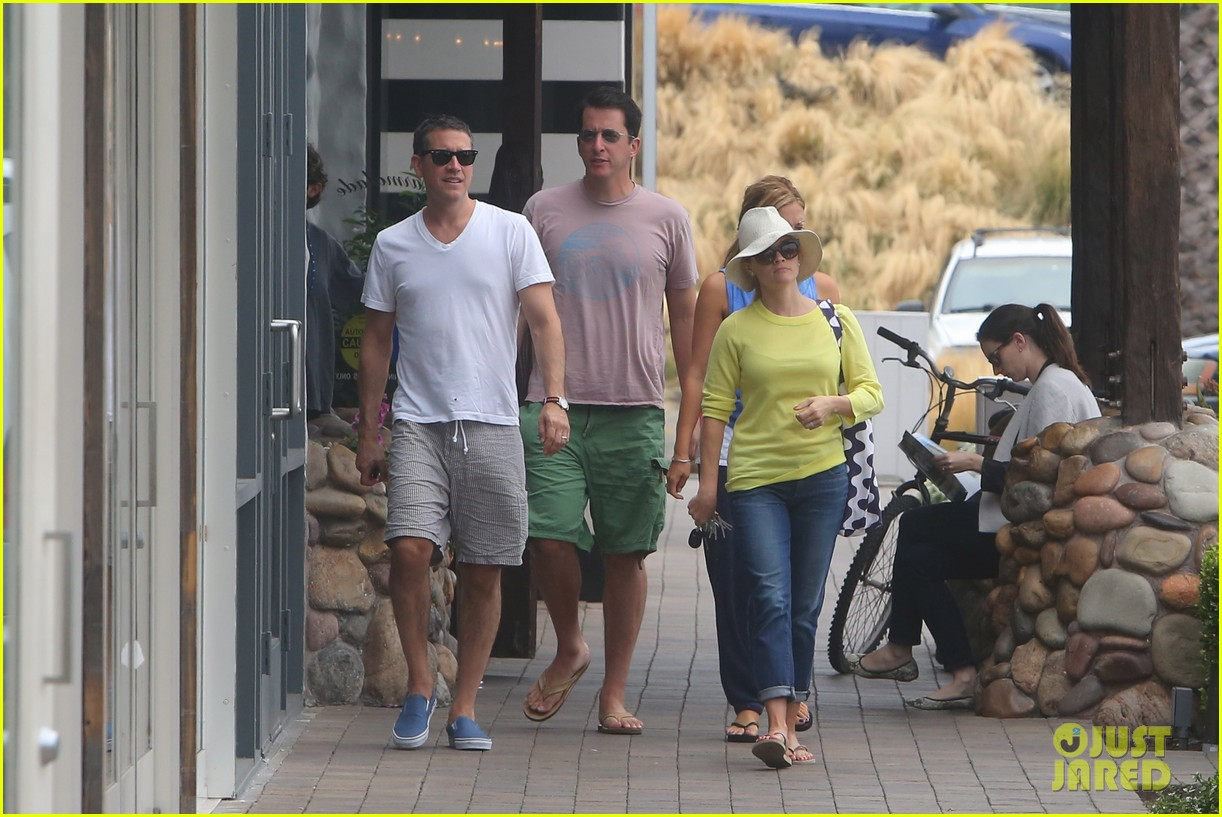 reese witherspoon jim toth breakfast after july fourth 062904605
