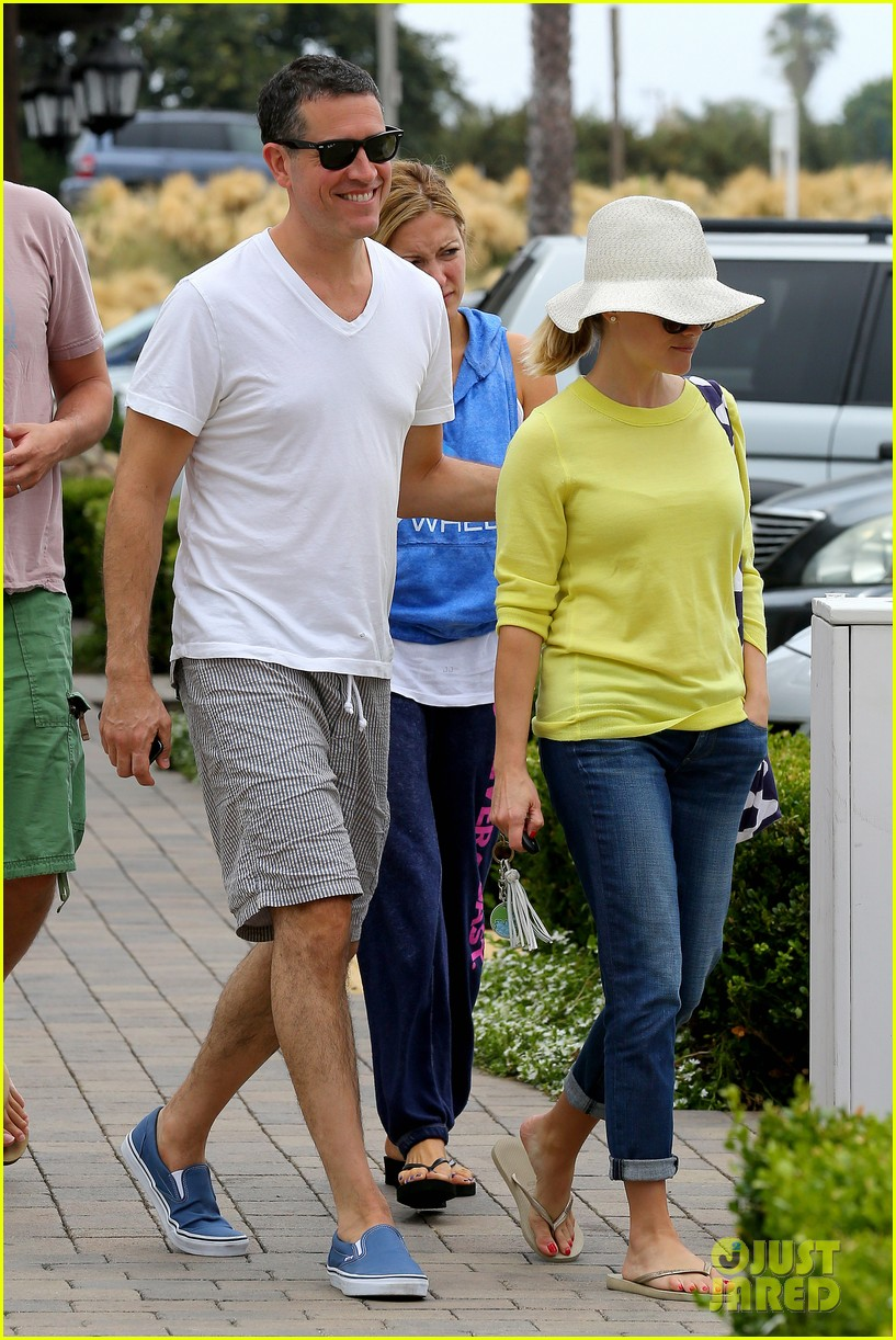 reese witherspoon jim toth breakfast after july fourth 20