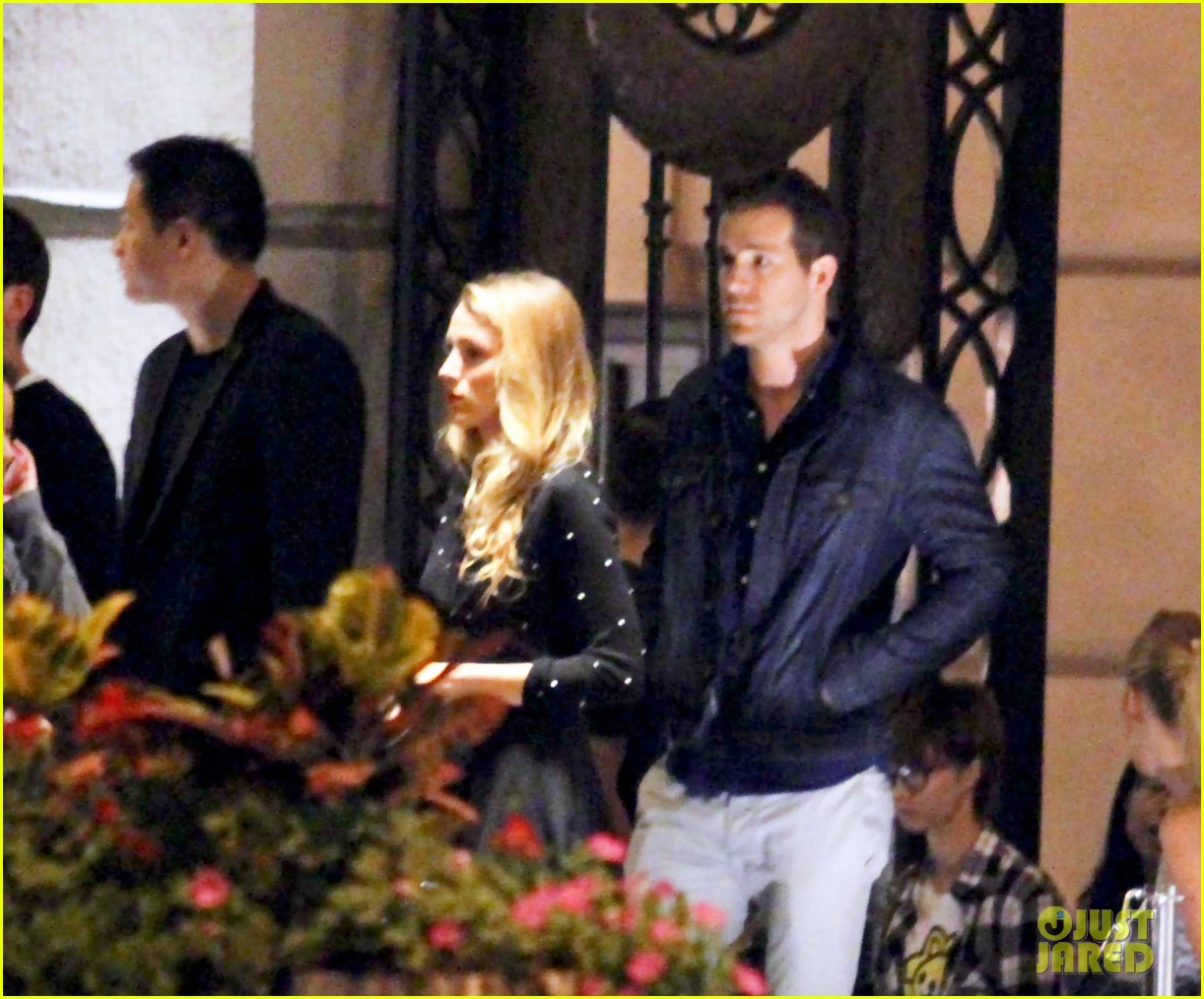 blake lively ryan reynolds dine out in shanghai 03