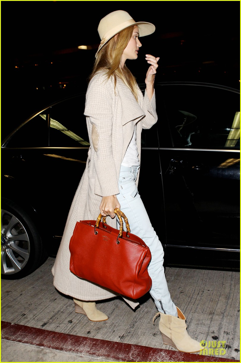 rosie huntington whiteley lax departure after jason statham lunch date 062905372