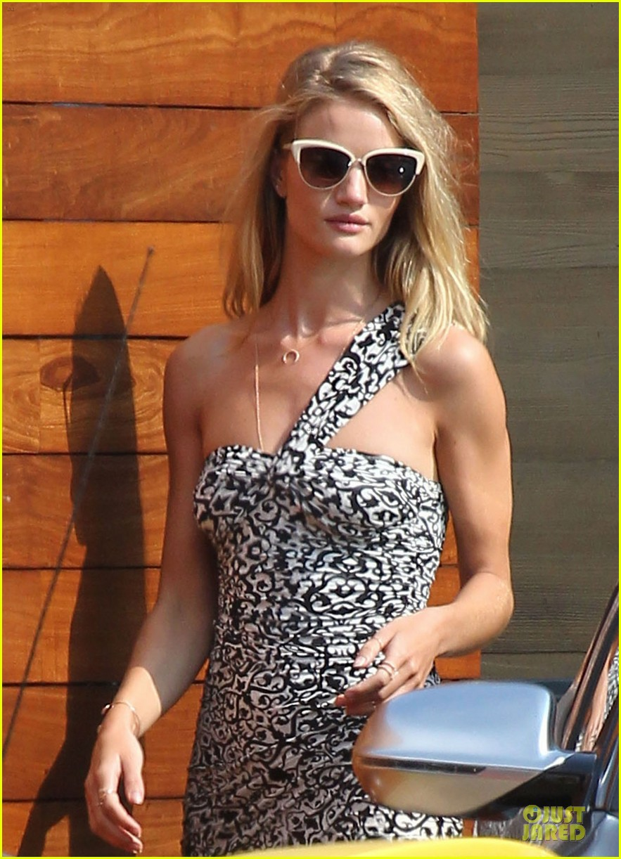 rosie huntington whiteley jason statham nobu lunch couple 02