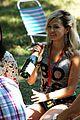 annasophia robb lindsey gort carrie samantha picnic 02