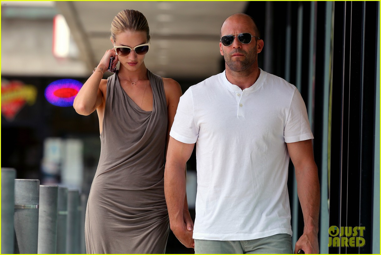rosie huntington whiteley jason statham lunch lovers 02